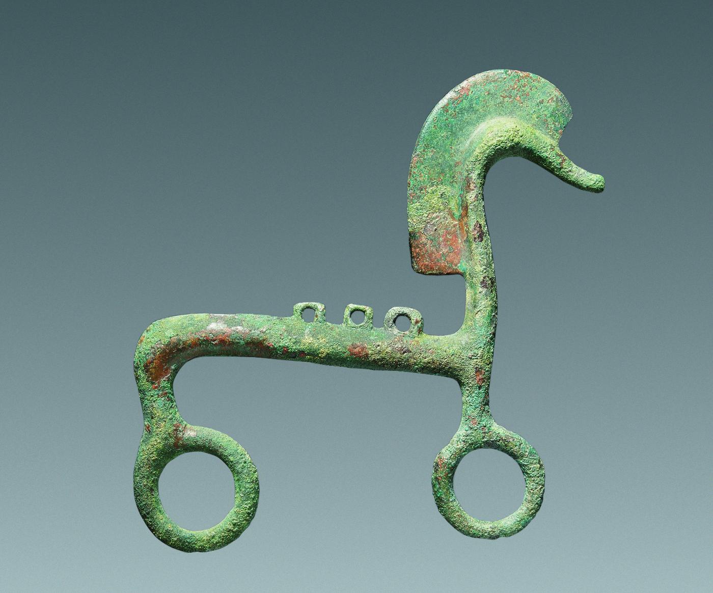 Apuliai ló alakú függődísz, Kr. e. 6. század első fele (Fotó: Mátyus László)