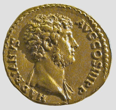 Gold coin of Hadrian, 137–138 AD. London, British Museum. Photo: Hans R. Goette